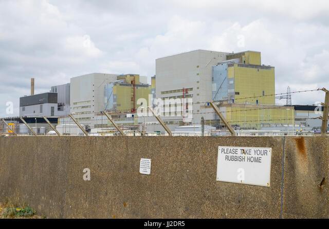 dungeness-nuclear-power-station-with-con