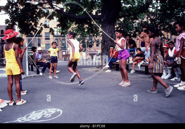photos of girls jumping double dutch № 12720