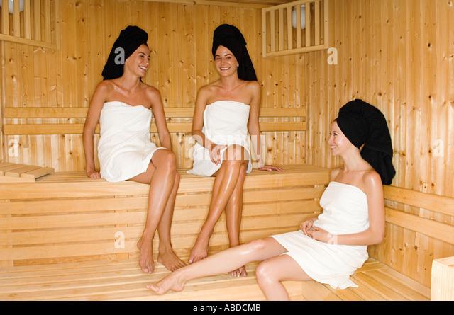 фото в женской сауне