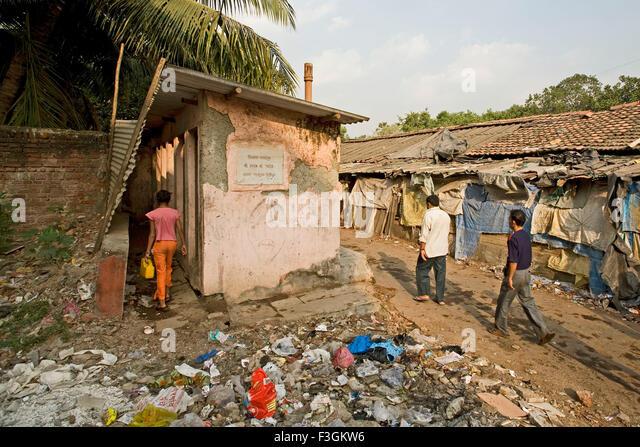 public-toilets-for-gents-in-a-slum-in-un