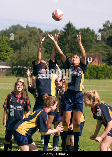 photo of girls playing rugby № 17800