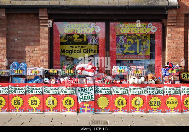 christmas-shopping-h7p1h3.jpg