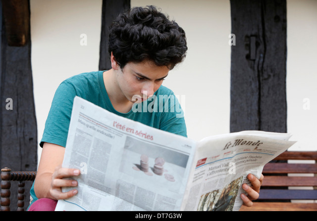 newspaper reading and students