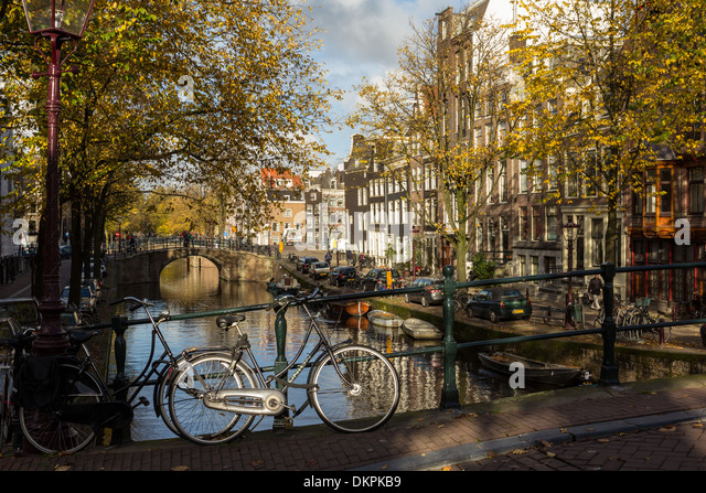 amsterdam-netherlands-a-canal-in-autumn-