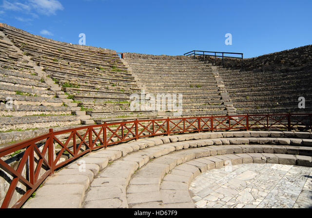 the construction of the greek theater