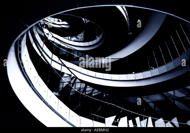 spiralling-staircase-designed-by-sir-nor