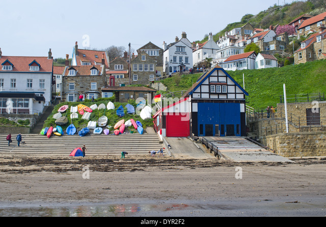 runswick-bay-near-whitby-a-traditional-s