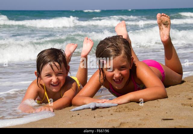 photo of girls on the beach № 18663
