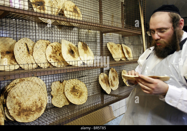 unleavened bread of jewish culture