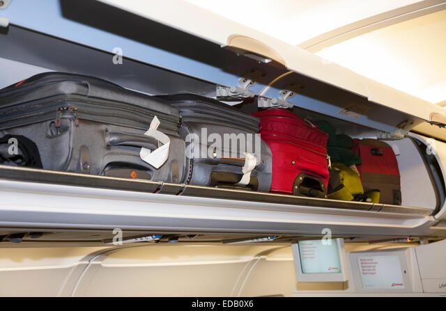 overhead-passenger-locker-lockers-compar