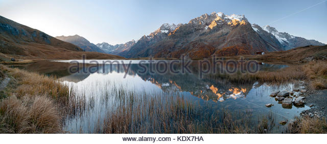 sunrise-over-lac-du-pontet-reflecting-th