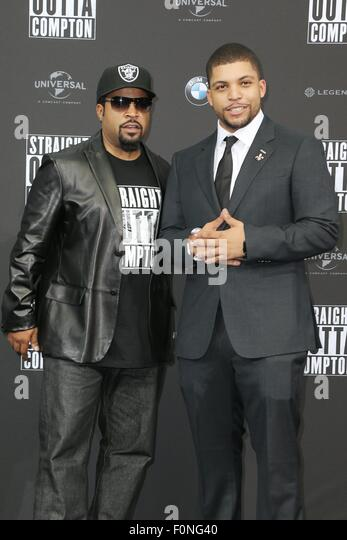 Berlin, Germany. 18th Aug, 2015. Rapper Ice Cube and his son, actor O'Shea Jackson Jr. at the Premiere of 'STRAIGHT - Stock Image