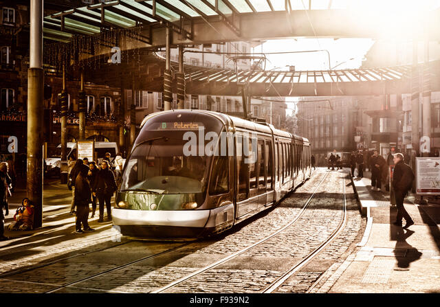 strasbourg-tram-at-the-central-station-h