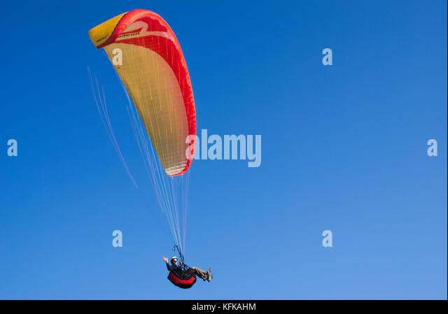 paraglider-saying-hello-and-flying-in-a-