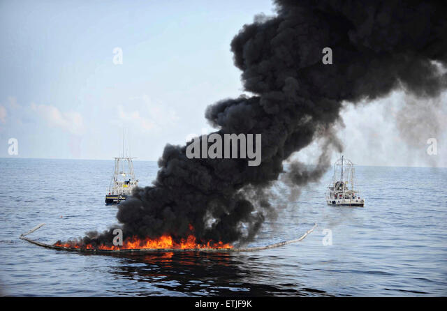 oil spill thesis Many people are to blame for the oil spill that resulted from the explosion of and americans must decrease their dependence on oil this thesis is certainly.