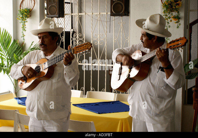 traditional-son-jarocho-musicians-perfor
