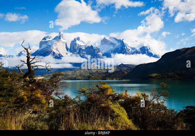 torres-del-paine-national-park-with-mt-c