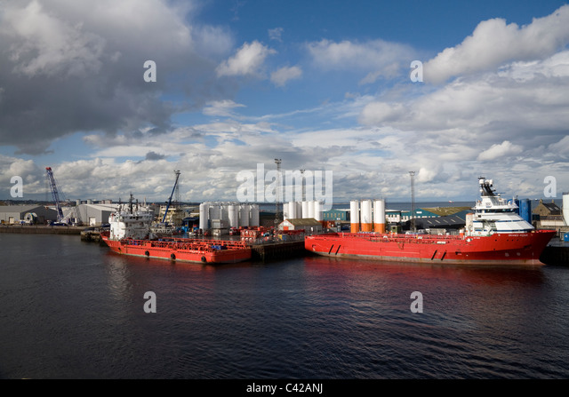 aberdeen-scotland-uk-skandi-falcon-and-r