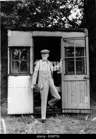 playwright-george-bernard-shaw-in-london