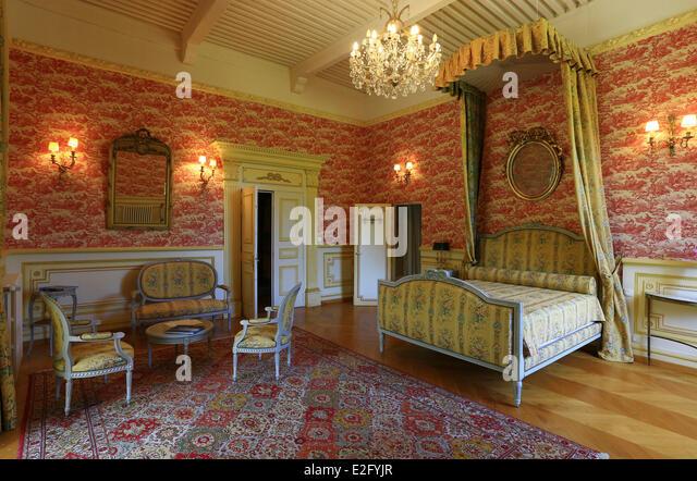 france-hautes-alpes-crots-chateau-de-pic