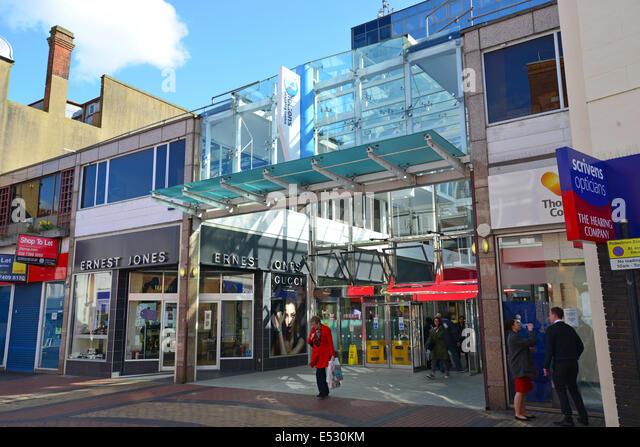 nicholsons-shopping-centre-high-street-m