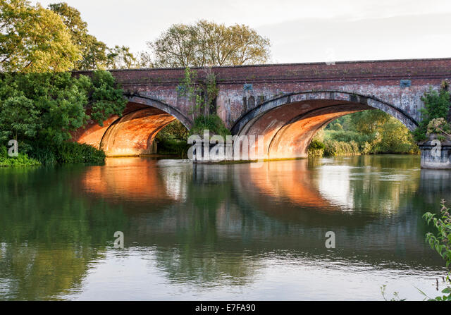 gatehampton-railway-bridge-designed-by-i