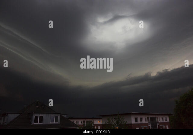 storm-ela-dramatic-cloud-formations-prec
