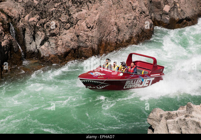 buller-canyon-jet-boat-with-tourists-on-