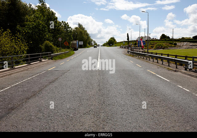 looking-south-on-the-border-roads-joinin