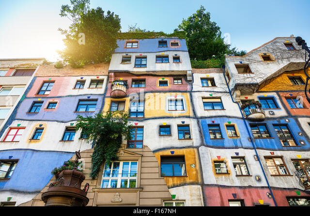 the-hundertwasser-house-in-vienna-F167NH