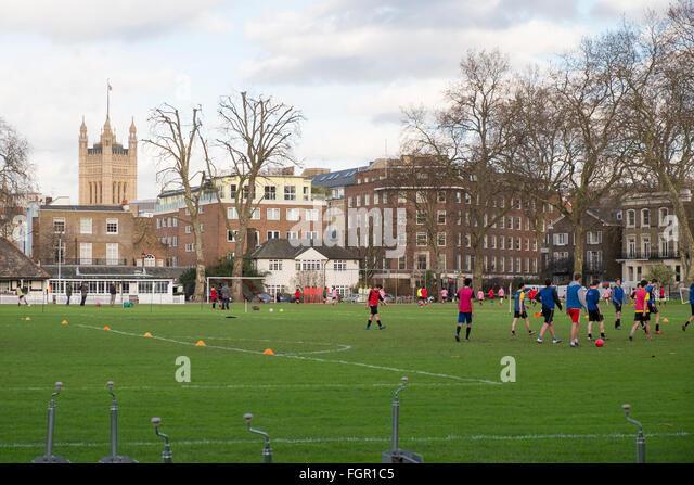 schools-games-activities-on-the-grounds-