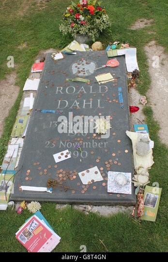 roald-dahls-grave-G8T4GN.jpg
