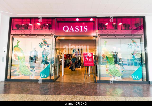 oasis-store-uk-GF86HG.jpg
