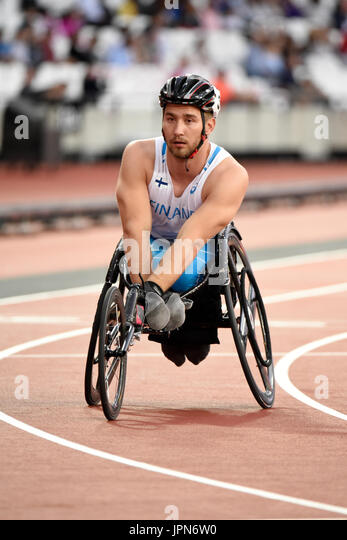 Henry Manni competing in the 800m T34 in the World Para Athletics Championships in the London Stadium - Stock Image