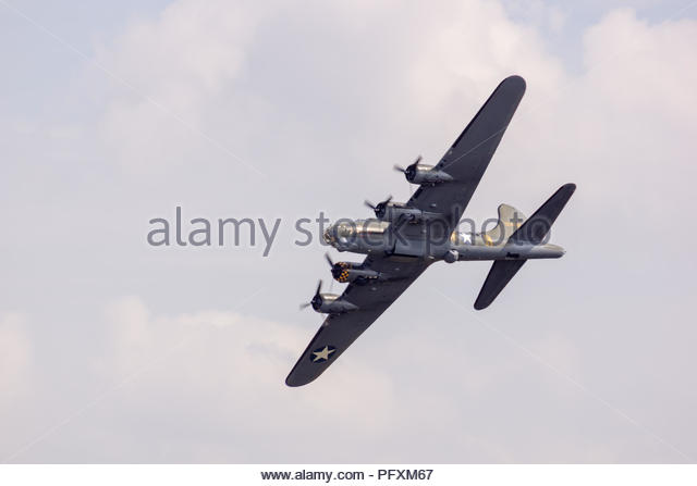 Old world war 2 planes on flyby at Duxford Air Show - Stock Image
