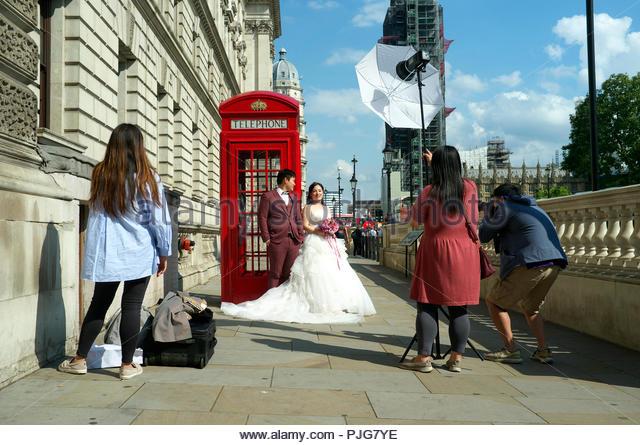 asian-couple-pose-for-wedding-photos-bes