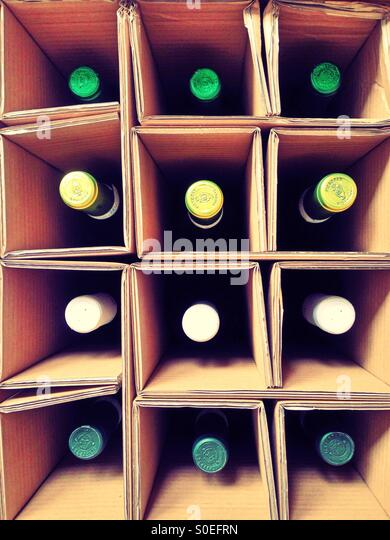 a-delivery-of-wine-S0EFRN.jpg