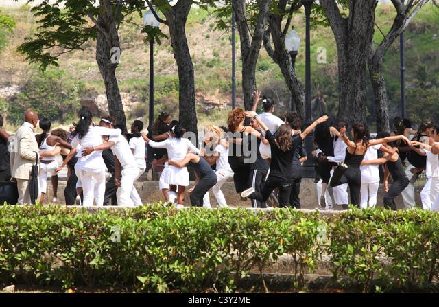 Young people dancing in Havanna in Cuba - Stock Image