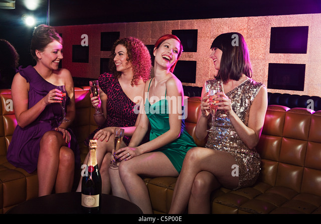 PHOTOS OF SINGLE GIRLS PARTY