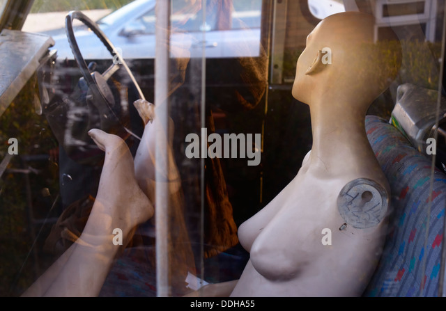crash-test-dummy-in-the-passenger-seat-o