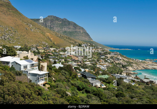 houses-in-the-bay-of-llandudno-cape-town