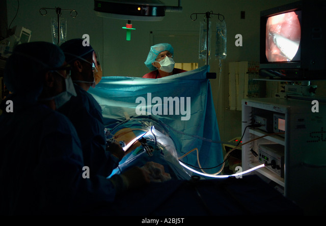 surgery and senior staff anesthesiologist Career path level 1: providing anesthesiology for all types of surgery senior staff anesthesiologist earnings: $200,000 a year or more.