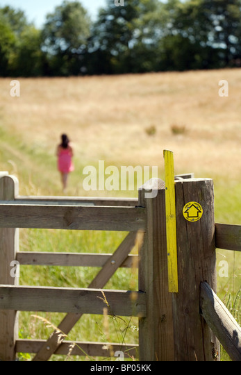 teenage-girl-walking-in-the-kent-country