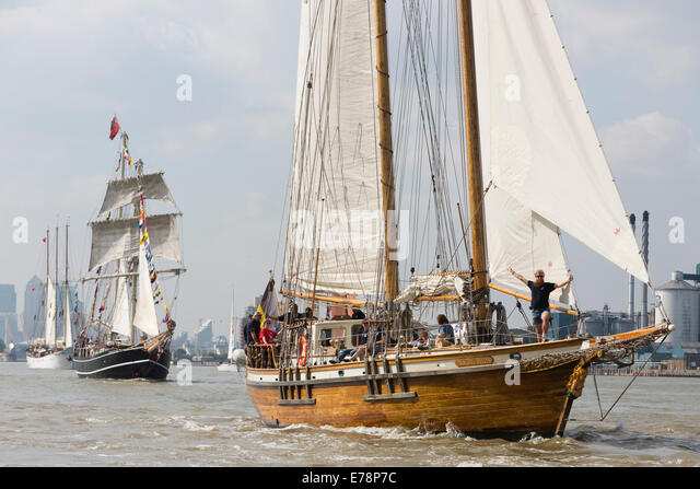 parade-of-sail-royal-greenwich-tall-ship