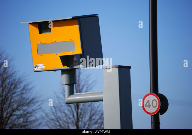 speed-camera-at-30-mph-zone-on-entrance-