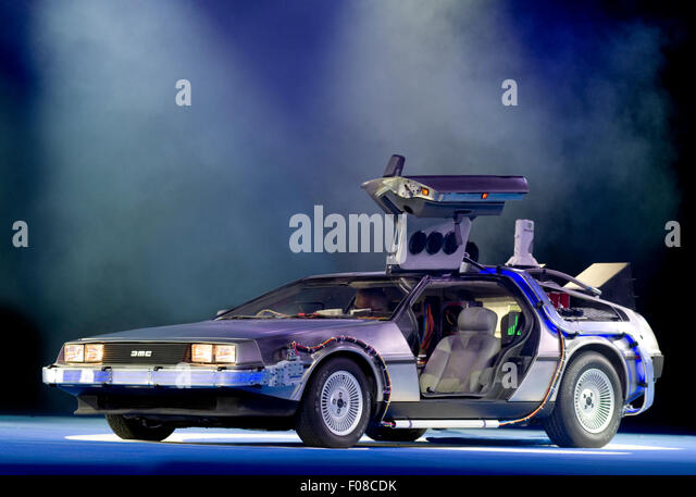 replica-time-machine-car-from-back-to-th