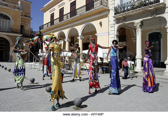 Havana, Plaza Vieja, Street Entertainers - Stock Image