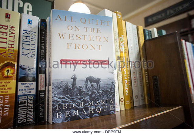 a literary analysis of all quiet on the western front by erich remarque