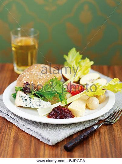 Ploughman's lunch (UK) - Stock Image
