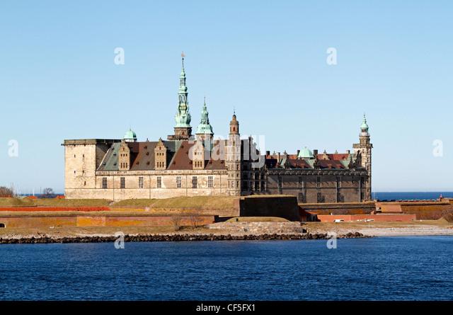 the-renaissance-castle-kronborg-in-elsin